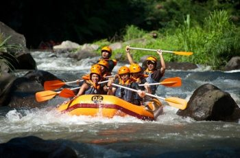 Sobek rafting ayung river - Penggunaan Dayung Saat Melakukan Aktivitas Rafting